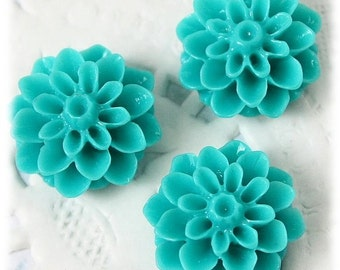 Bloomin' Baubles : 10 pieces Green Turquoise Resin Flower Cabochons , Chrysanthemum Dahlia Mum , Plastic Flowers