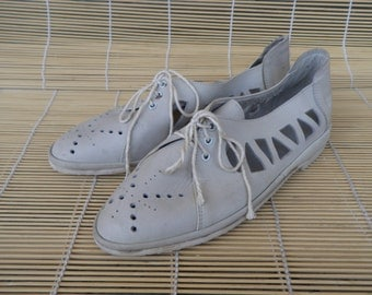 Vintage Lady's Off White Grey Leather Flat Shoes Sandals Size EUR 36 US Woman 6