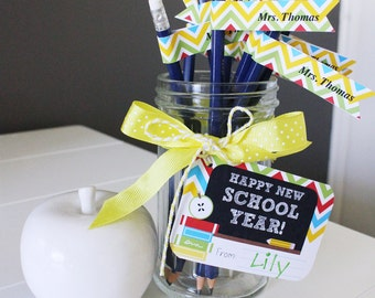 BACK TO SCHOOL Printable Teachers Gift - Includes Editable Pencil Flags and Gift Tags