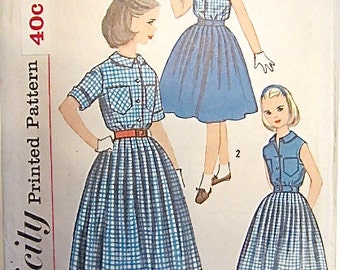 1950's VINTAGE Girl's Skirt and blouse pattern # 2433 size 8