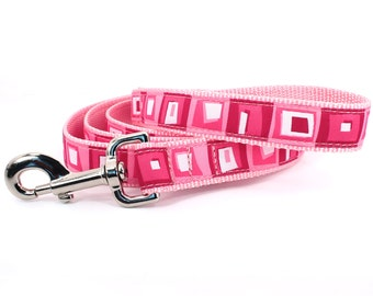 Colorful pink leash : four sizes to choose from , xs - xl Hopscotch - At the Fair