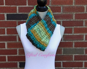 Multi-Color Chunky Knit Scarf Green Blue Brown Gold