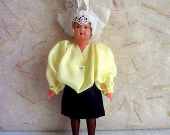 Bambola del costume francese Celluloid Vendée (Sables d
