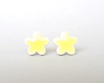 Small Stud Earrings. Yellow Daisies. Ceramic. Mini Earrings. Lemon Yellow. Porcelain Clay. Post Earrings. Flower Earrings. Surgical Steel
