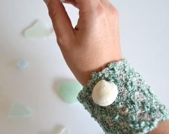 Green Woven Bracelet, Cuff Bracelet, Textile Jewelry, Handwoven Fiber Bracelet, Beach Boho Jewelry, Womens Jewelry