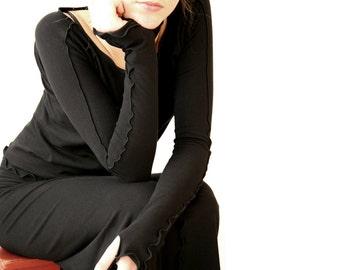 THUMBHOLE TOP  womens black shirt, top, best selling, handmade, treehouse28, trending items, shirt with thumbholes, long sleeve shirt