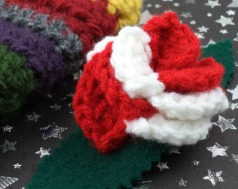 Sarah Jane Smith - Crocheted Rose Hair Clip - Red and White (SWG-HC-DWSJ01)