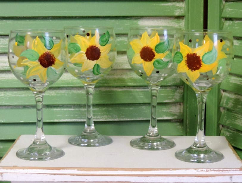 Custom hand painted sunflower wine glasses country decor for Wine country decorating ideas