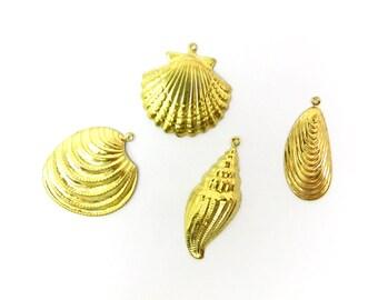 Vintage Raw Brass Shell Charm Assortment (8X) (V155)