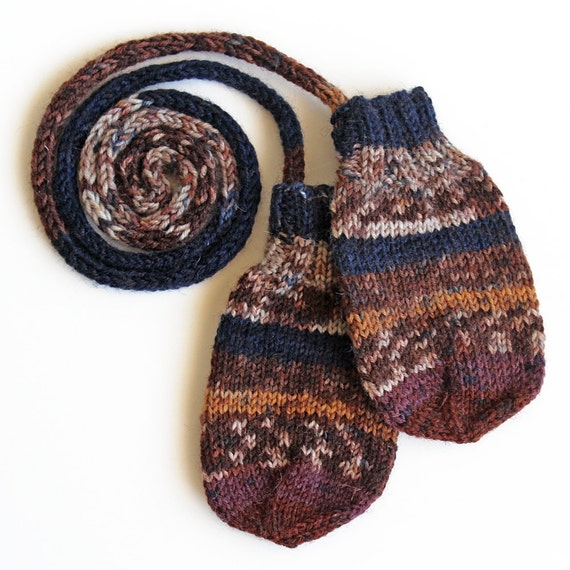 Knitting Pattern For Baby Mittens Without Thumb : Knit Mittens On a String. Thumbless Mitts. Winter Gloves