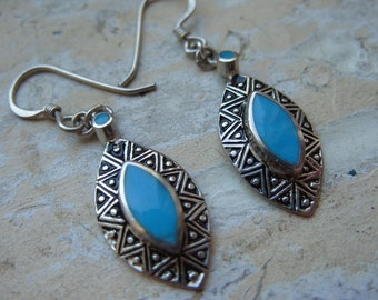 FREE SHIPPING Vintage Silvertone Earrings with Turquoise Accents