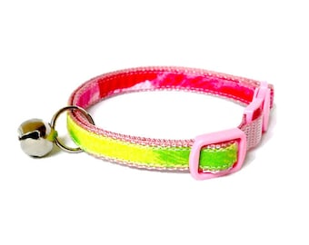 Kitten or Cat Collar Made from Lilly Pulitzer Hotty Pink First Impression Fabric (Breakaway Buckle) with Bow Option