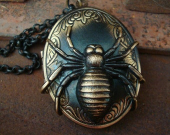 Gothic, Jewelry Necklace, SPIDER LOCKET Pendant, Poison Locket, Just Crawling To Get Around Your Neck, USA, Handmade, Perfume Well