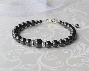 Black Pearl Bracelet, Bridal Bracelet, Pearl and Crystal Bracelet, Bridesmaid Gift, Black Jewelry, Simple Pearl Bracelet, Swarovski Pearl