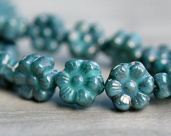 Turquoise Moon Dust Czech Glass Bead 8x4mm Flower  : 25 Turquoise Flowers