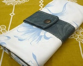 Big Wallet 1  zipper, on Waterproof Plastic upholstery fabric, with many pockets inside