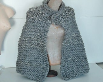 Capelet chunky knit short cape wrap  for XS small medium women in textured grey