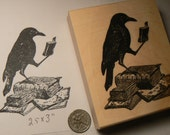 Crow reading a book rubber stamp P51