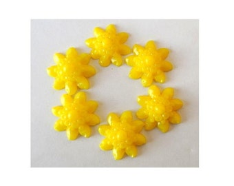 6 Glass flowers cabochon 22mm in yellow