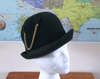 Vintage Mod Green Cloche Hat 1960s era