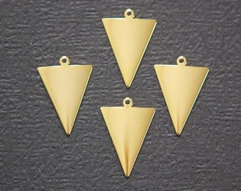 1 Loop Dapped Gold Triangle Pendant Findings (8) mtl383D