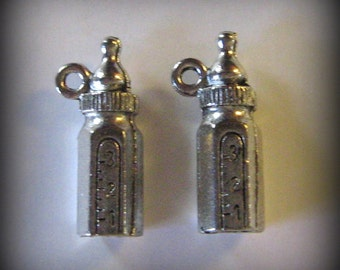 4 Silver Pewter Baby Bottle Charms (qb16)