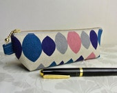 Zippered Pen Case - Linen Drop shapes blue and Pink