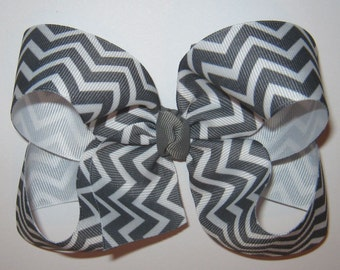 Large Grey and White Chevron Print Loopy Style Grosgrain Hair Bow