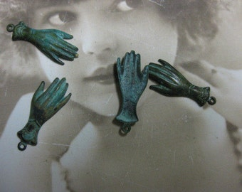 Verdigris Patina Victorian Style Hands Charms 459VER x4
