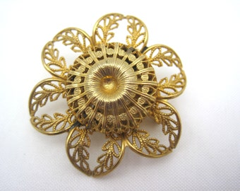 Vintage Brooch - Gold Flower