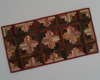 Quilted Log Cabin Table Runner (TGTRQ)