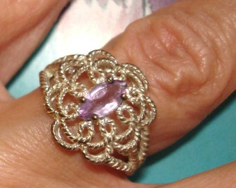 vintage NV sterling silver filigree ring with amethyst gemstone setting 7