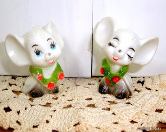 Set of 2 Vintage Mice Figurines, White Mouse, Small, Floral Garland, Flowers, Hard Plastic, Made in Hong Kong   (139-14)