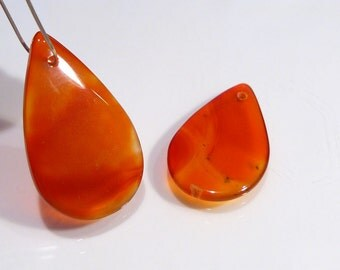 Carnelian Gemstone Smooth Flat Teardrop Briolette Pendant Beads....2 Beads......BB
