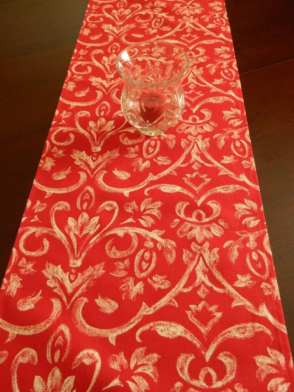red floral table runner valentine 39 s day runner. Black Bedroom Furniture Sets. Home Design Ideas