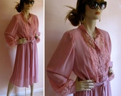 Vintage 1980s Pale Pink Secretary Dress With Lace and Pearl Buttons