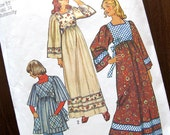 1970s Vintage Sewing Pattern - Boho Caftan Dress or Smock Top Maternity - Simplicity 5991 / Size 12