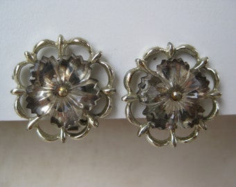 Shabby Flower Earrings Clip Vintage