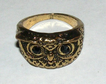 SALE Vintage Costume Owl Ring Ring with Ruby Red Rhinestone Eyes