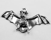 Bat, wings out, charm or pendant 1 bail, Australian Pewter