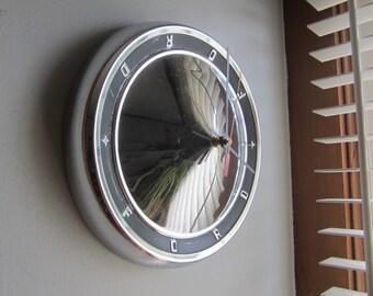 1963 Ford Truck Hubcap Clock no 2491