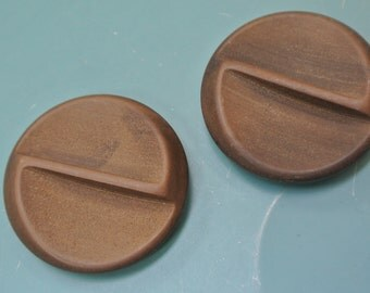 Lot of 4 large  vintage 1940s unused round dark brown plastic buttons with selfschranks for your sewing prodjects