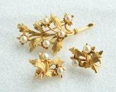 Capri Pearl Brooch Earrings Set Vintage Curving Gold Leaves Pin