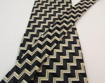 Vintage Armani Men's Necktie Cravatte 100% Silk Made in Italy