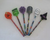 6 Assorted Felt Halloweeen Pencil Toppers with Pencils