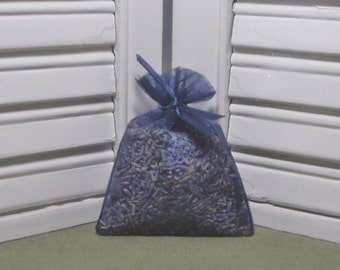 Navy blue, lavender sachet, perfect for a favor, or a gift to say Thank you, organza bag with ribbons, filled with 100% dried lavender