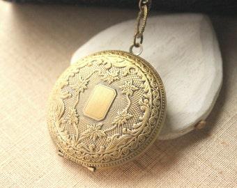 "Large Locket Necklace, Brass OR antiqued silver locket, pendentif porte photo long Chain Locket 16"" - 36"" secret message, photo locket, N185"