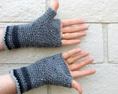 men's texting gloves/ grey tweed wool crochet