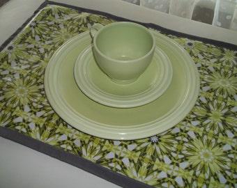Laminated Cotton Placemat Set of 4 Mod Floral