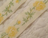 "Vintage Taffeta Ribbon Yellow Roses 60"" x 1"""